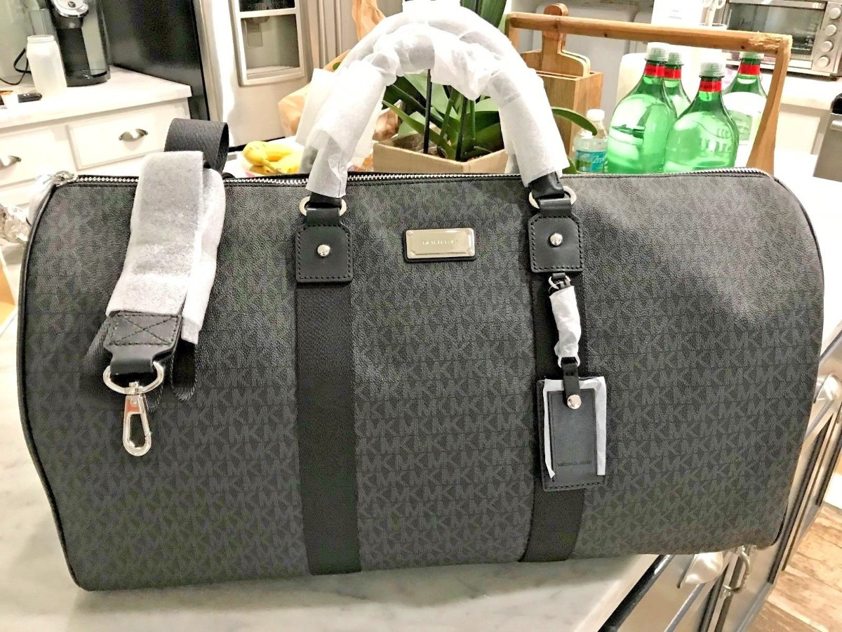 b6617e755074 Купить дорожную сумку Michael Kors