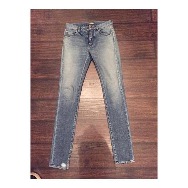 Купить джинсы Yves Saint Laurent за 21850 руб. в интернет магазине ... 1b972757b17
