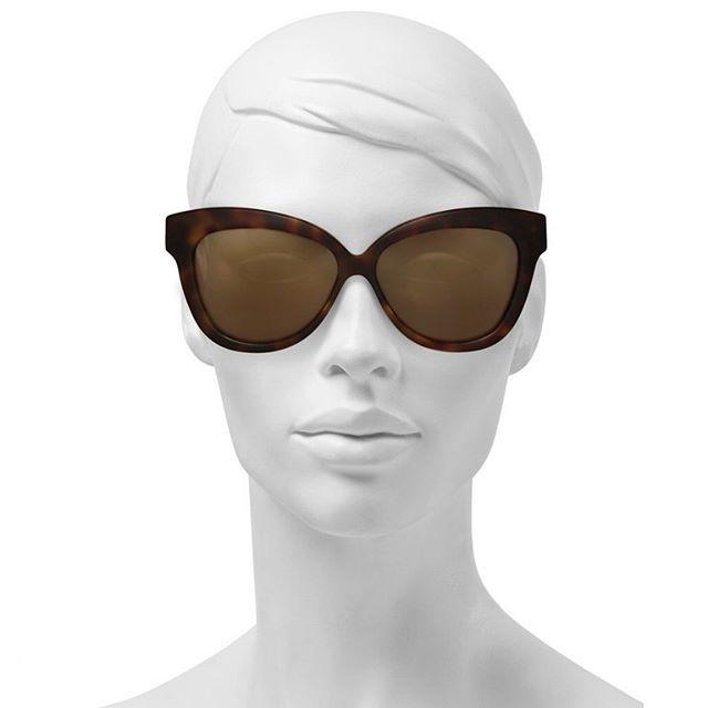 d5c629106fd4 Купить солнцезащитные очки Linda Farrow за 10930 руб. в интернет ...