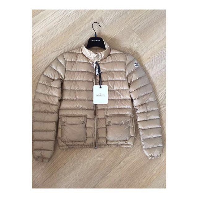 ed7a2bc143a Купить куртку Moncler за 31050 руб. в интернет магазине - бутике с ...