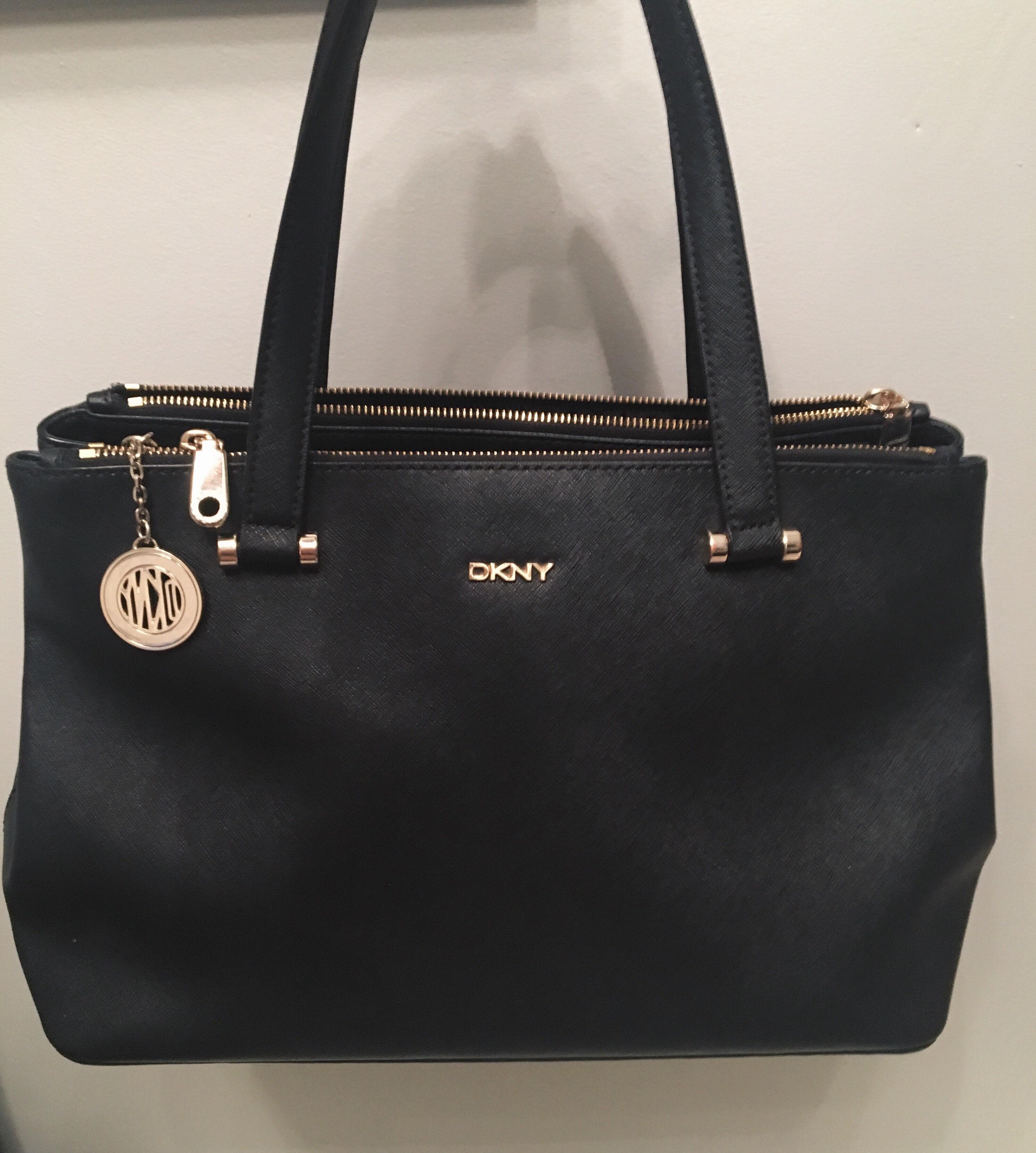 cf3c8f4127c6 Купить деловую сумку DKNY за 10500 руб. в интернет магазине - бутике ...