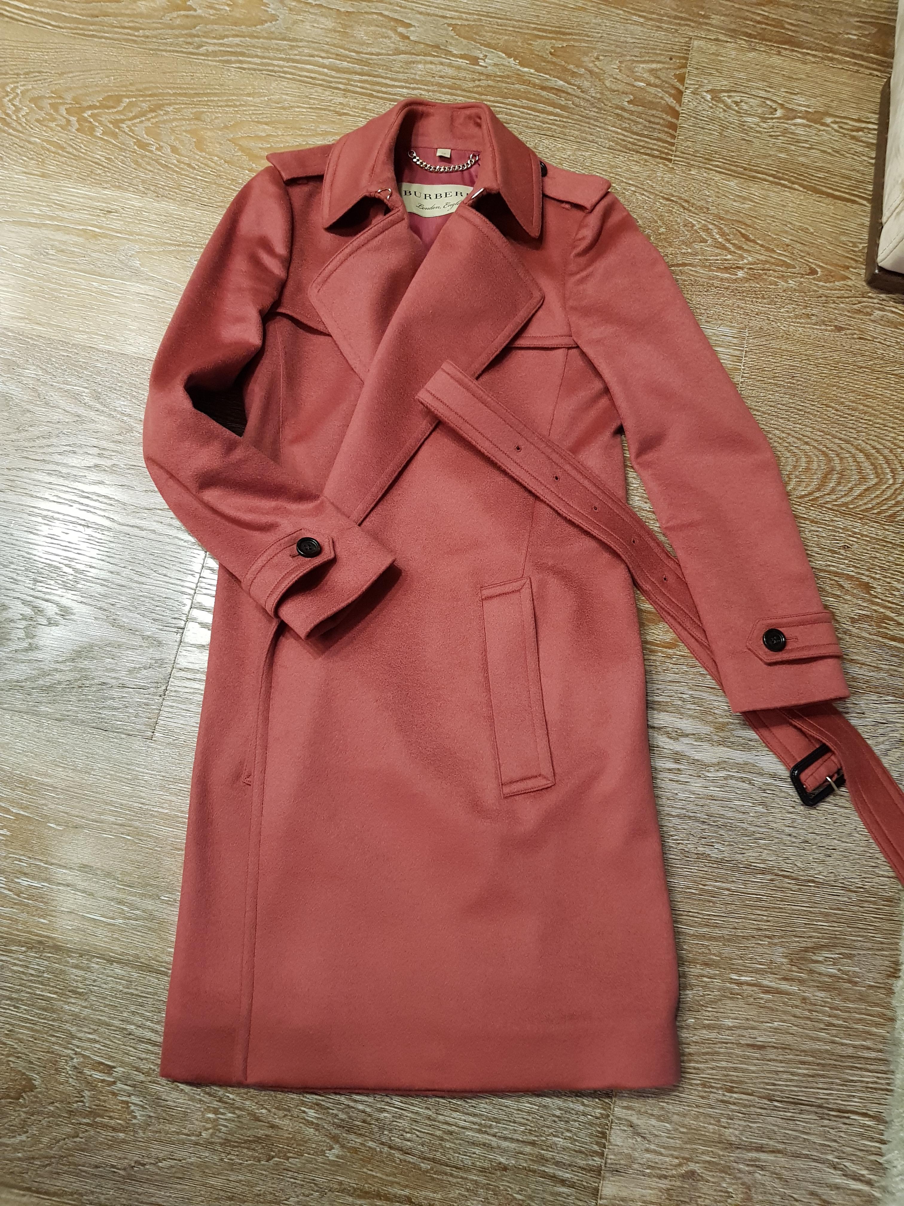 dda3afe79a64 Купить пальто Burberry за 65000 руб. в интернет магазине - бутике с ...