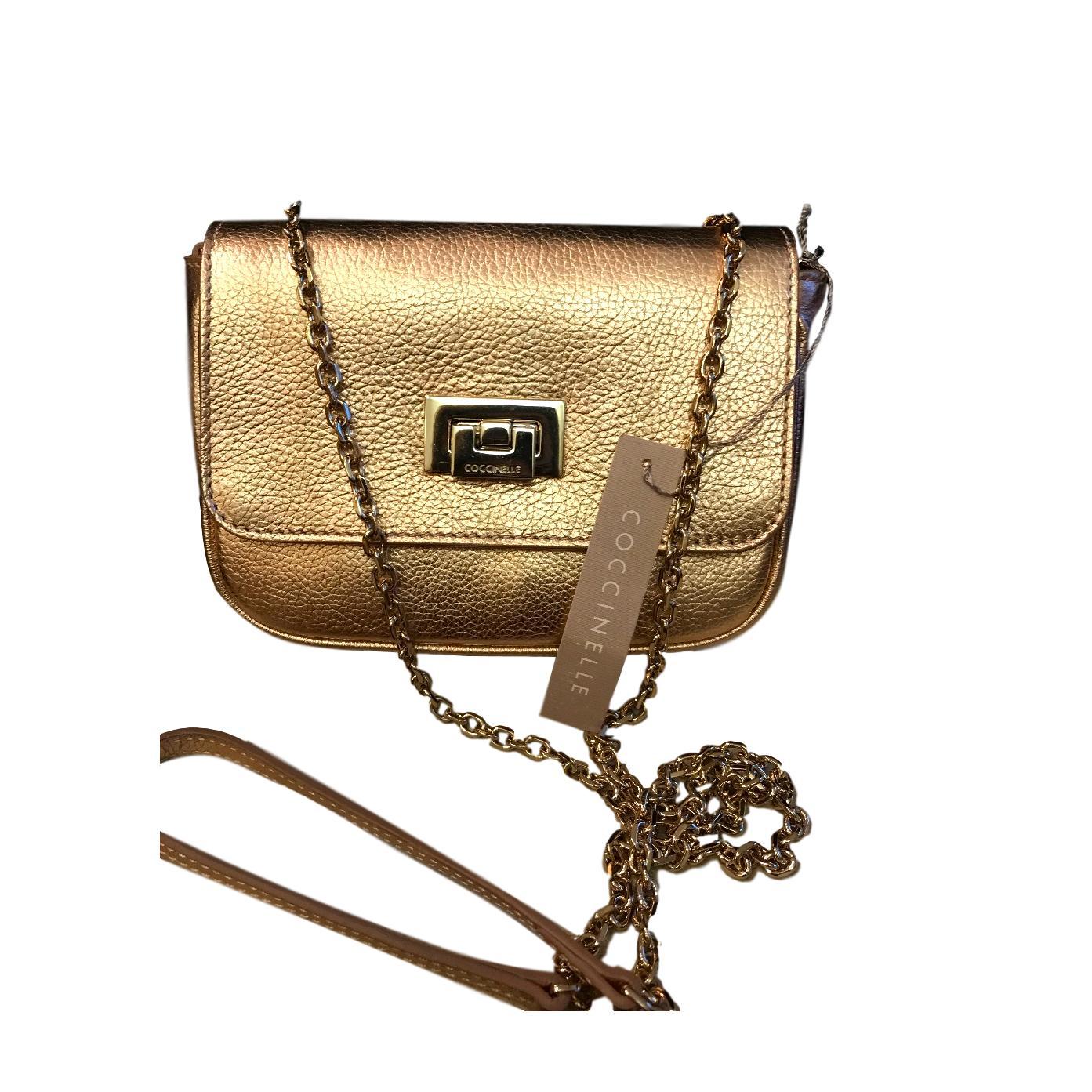 cdbaf612c084 Купить вечернюю сумку Coccinelle за 14190 руб. в интернет магазине ...