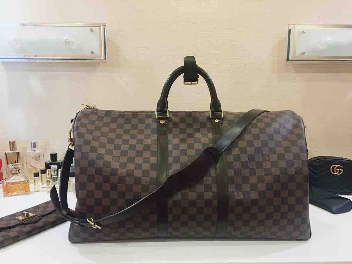 d52a4563936f Купить дорожную сумку Louis Vuitton за 60070 руб. в интернет ...