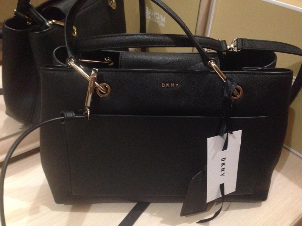 d05d16cfbbac Купить среднюю сумку DKNY за 14470 руб. в интернет магазине - бутике ...