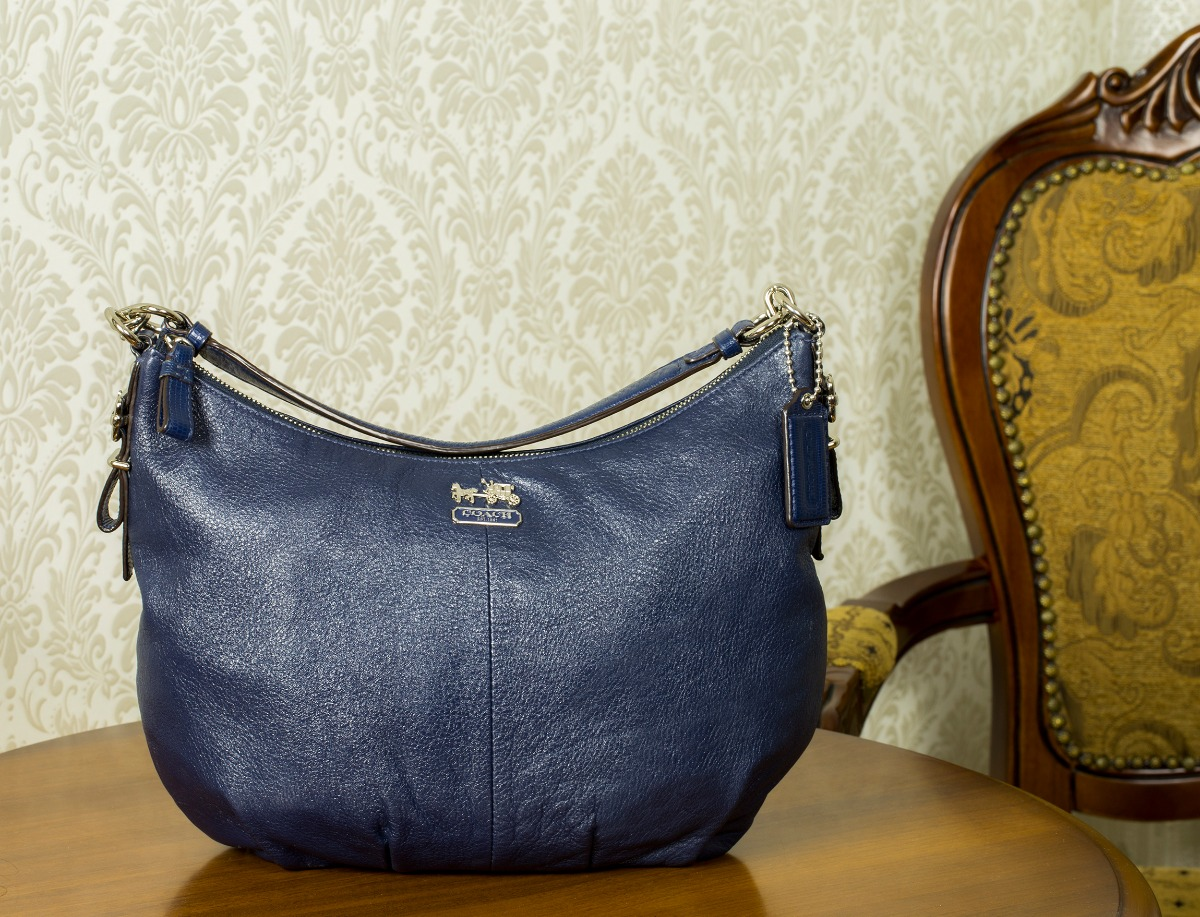 ced135853231 Купить среднюю сумку Coach за 8000 руб. в интернет магазине - бутике ...