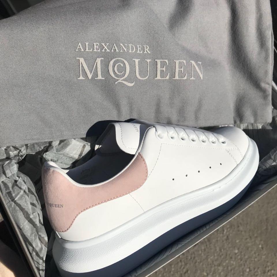 Купить кроссовки Alexander McQueen за 28180 руб. в интернет магазине ... a004d98c9b9