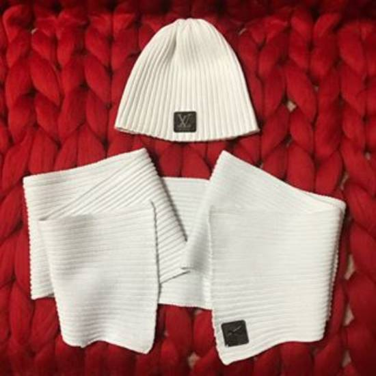 cfae6f9907c Продать и Купить аксессуары Louis Vuitton для девочек - 1 вариантов ...