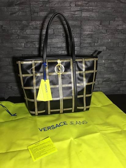d0f667b7509f Купить сумку Versace Jeans Couture - 24 вариантов. Сумки Версаче ...